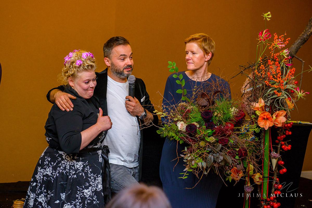 Demonstratii de arta florala la expozitia floristilor din Romania